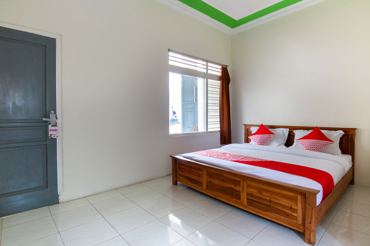 OYO 3210 Villa Aisya Malang - Guestroom