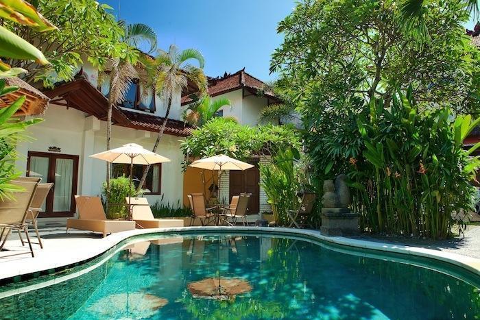 Yuli Bungalows Bali - Kolam Renang