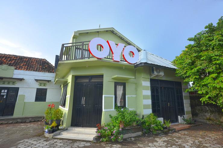OYO 634 Elga Sastro Inn Syariah Yogyakarta - Facade