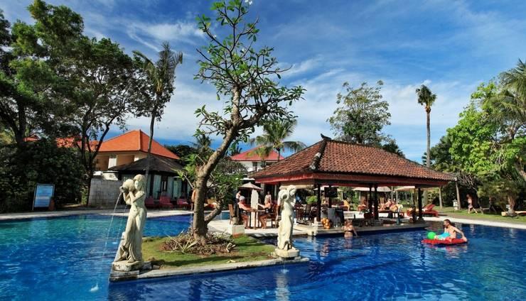 Puri Saron Hotel Seminyak - Pemandangan Kolam Renang