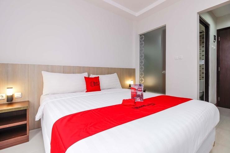 RedDoorz Plus @ TB Simatupang Jakarta - Room