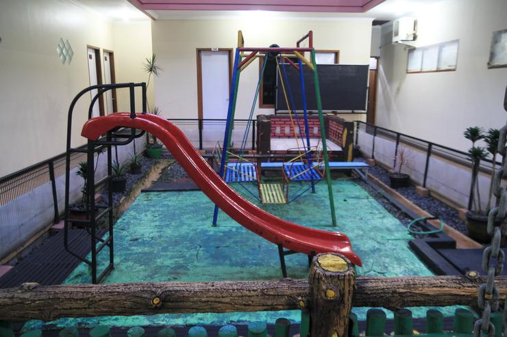 OYO 602 Hotel Hikmat Indah Bandung - SWIMMING POOL