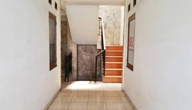Homer's Club Bandung - Koridor