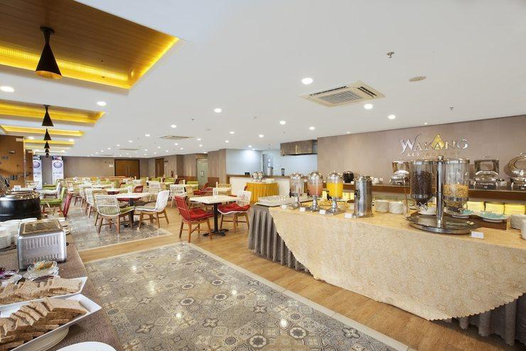 Verse Hotel Cirebon - Breakfast Area