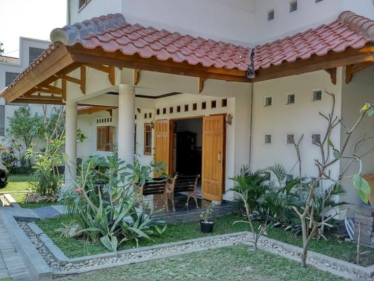 Santo Guest House Sidoarjo - Featured Image