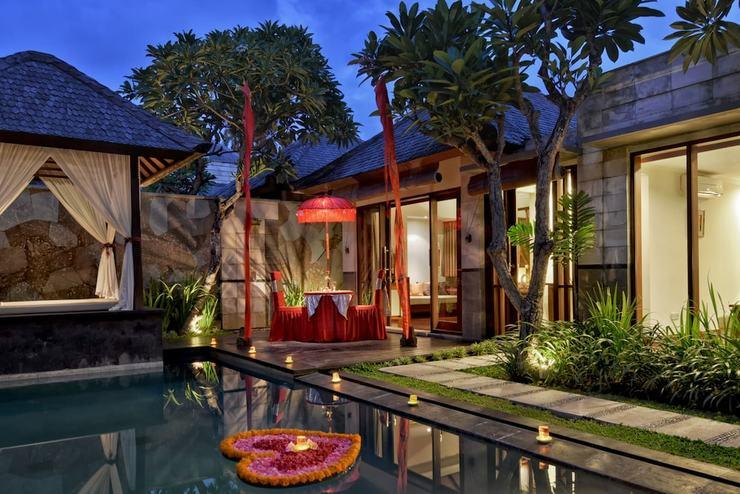 The Khayangan Dreams Villa Seminyak Bali - Featured Image