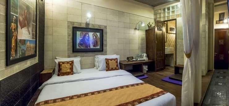 Dhanesvara Holistic Unique Homestay Surabaya - Guestroom