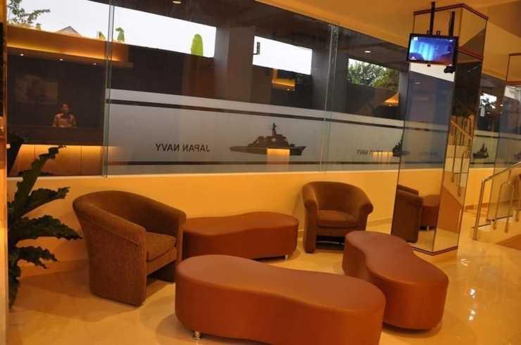 Dermaga Keluarga Hotel Yogyakarta - Lobby Sitting Area