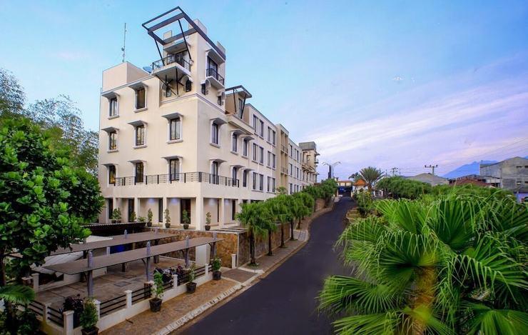 éL Hotel Grande Malang Malang - Featured Image