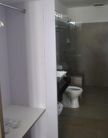 Ocean View Residence - Hotel Jepara Jepara - Bathroom Shower