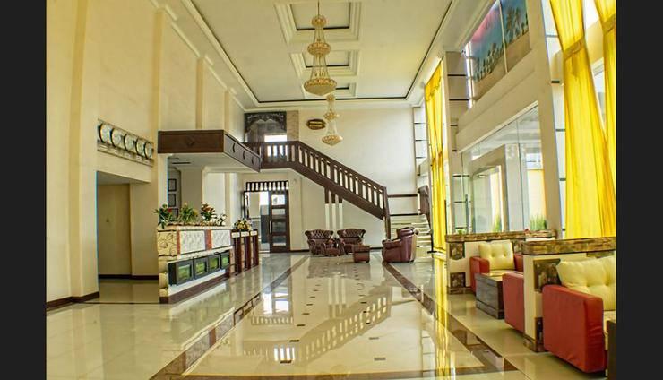 Hotel Grand City Batu - Featured Image