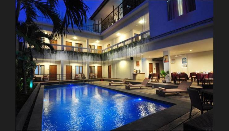d'Lima Hotel & Villas Kuta - Featured Image