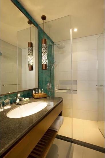 Padma Resort Legian - Bathroom