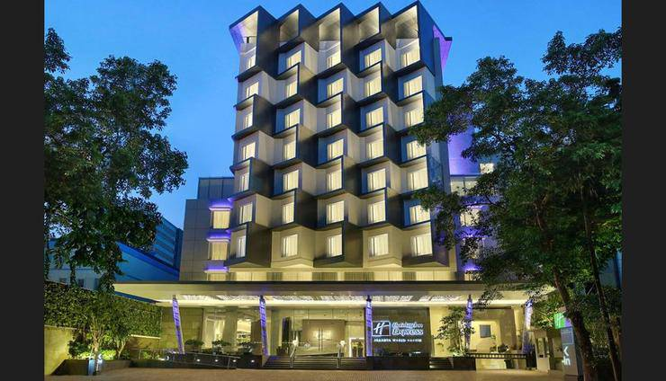 Holiday Inn Express Jakarta Wahid Hasyim - Featured Image
