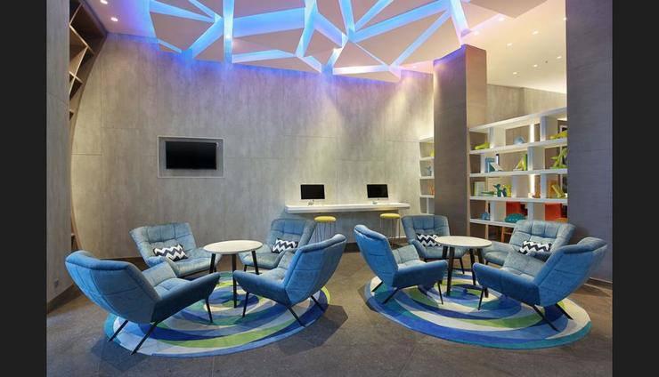 Holiday Inn Express Jakarta Wahid Hasyim Jakarta - Lobby Sitting Area