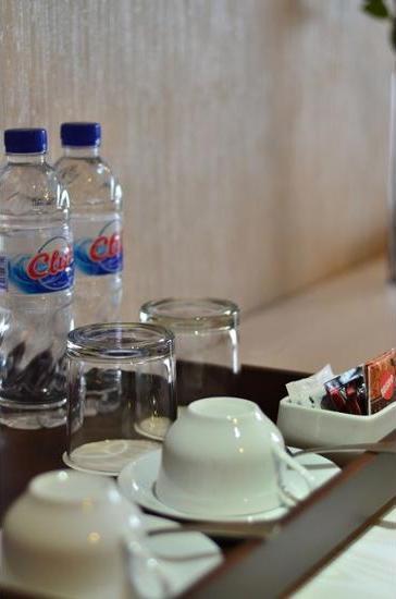 Student Park Hotel & Apartment Yogyakarta - In-Room Amenity