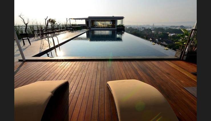 Student Park Hotel & Apartment Yogyakarta - Rooftop Pool