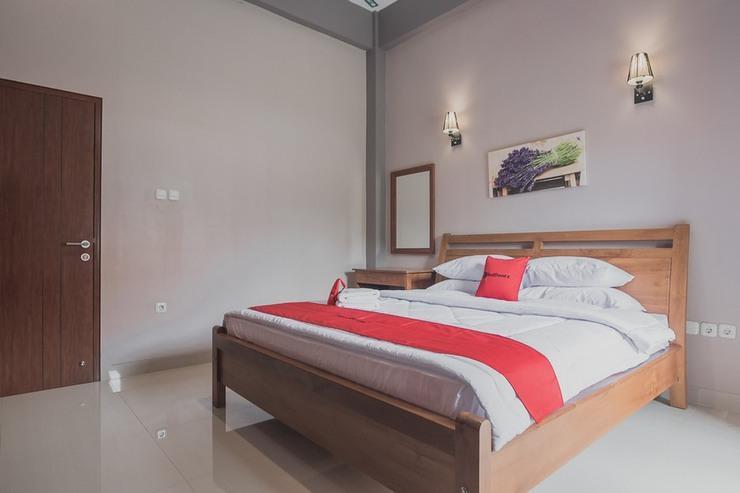RedDoorz Syariah @ Cisarua Puncak Bogor - Guestroom