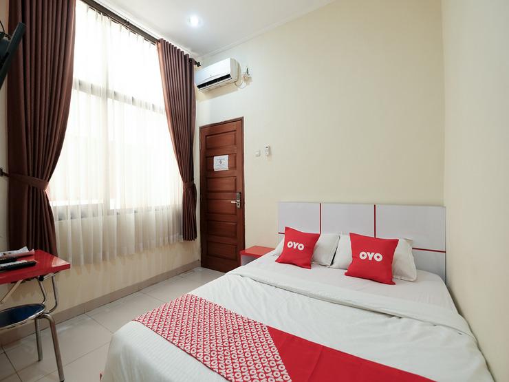 OYO 1997 Bee M Near RS Muhammadiyah Bandung - Standard Double Bedroom