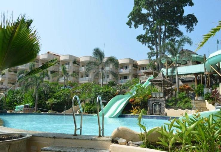 Hawaii Resort Family Suites Anyer - Kolam Renang