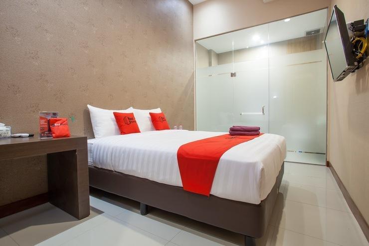 RedDoorz Plus @ Raya Sulfat Malang - Guestroom