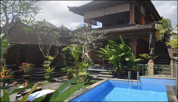 Aura Bisma Guest House  Bali - exterior