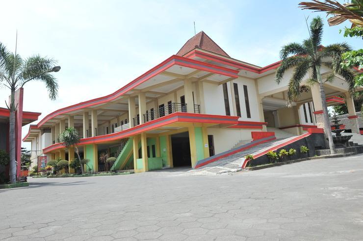 King Hotel Yogyakarta - DEPAN
