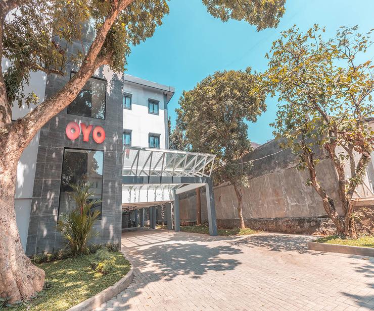 OYO 1329 Tanjung Pakuan Bogor - Facade