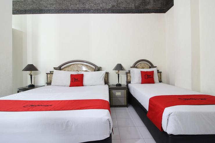 RedDoorz near Malioboro Mall Yogyakarta - Kamar Tamu