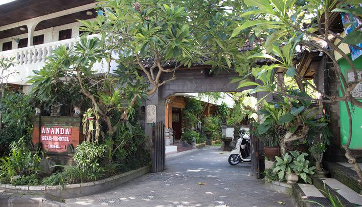 Ananda Beach Hotel Bali - Entrance