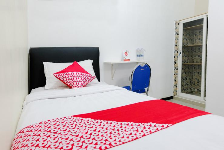 OYO 886 Omahku Asri Syariah Malang - Bedroom