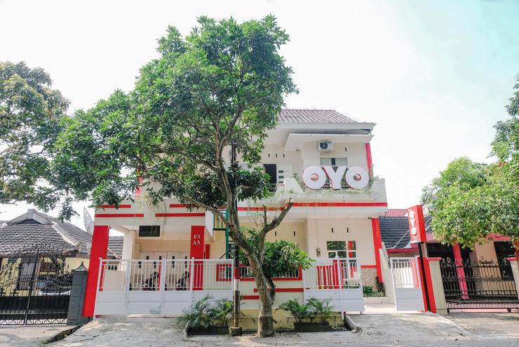 OYO 886 Omahku Asri Syariah Malang - Facade