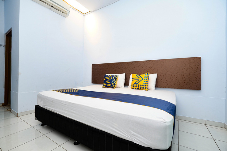 SPOT ON 2171 Griya Sakura Syariah Solo - Bedroom