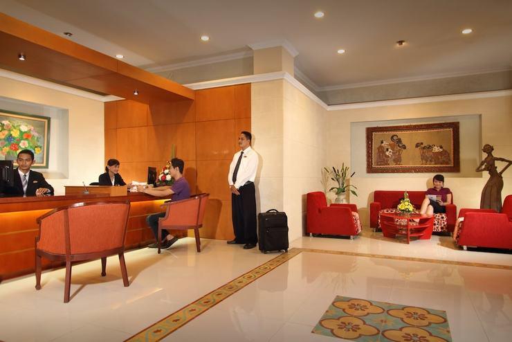 Cakra Kembang Hotel Yogyakarta - Reception