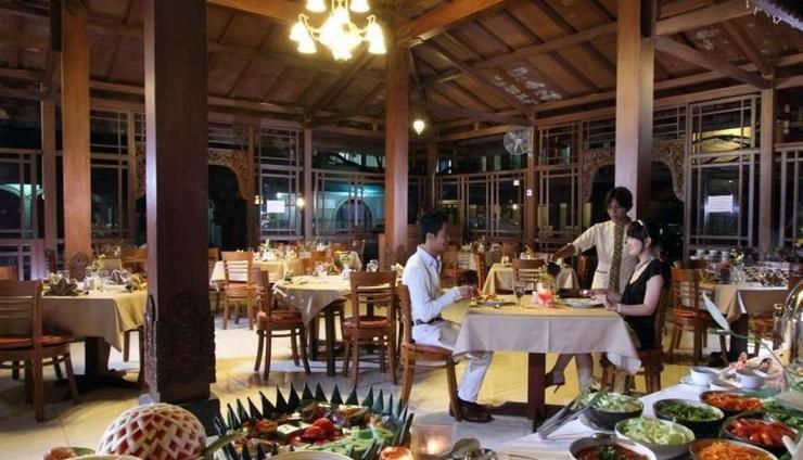 Cakra Kembang Hotel Yogyakarta - Restoran