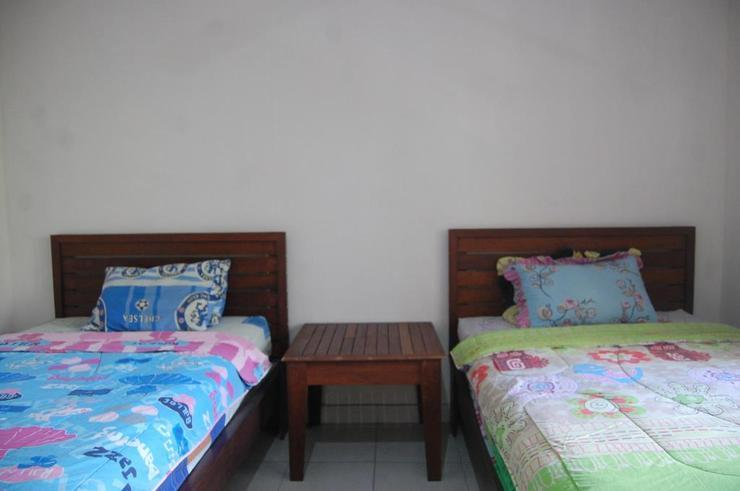 Star East Guest House  Bali - Guest room