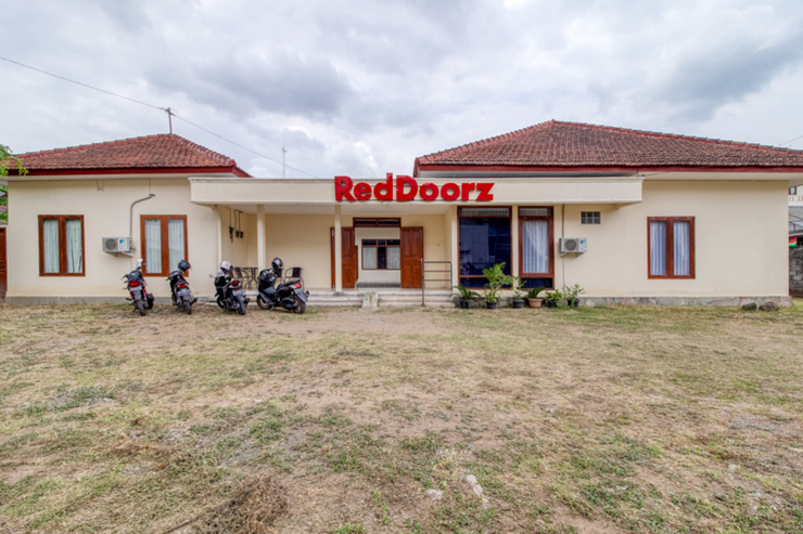 RedDoorz near Universitas Gajah Mada Yogyakarta - Photo