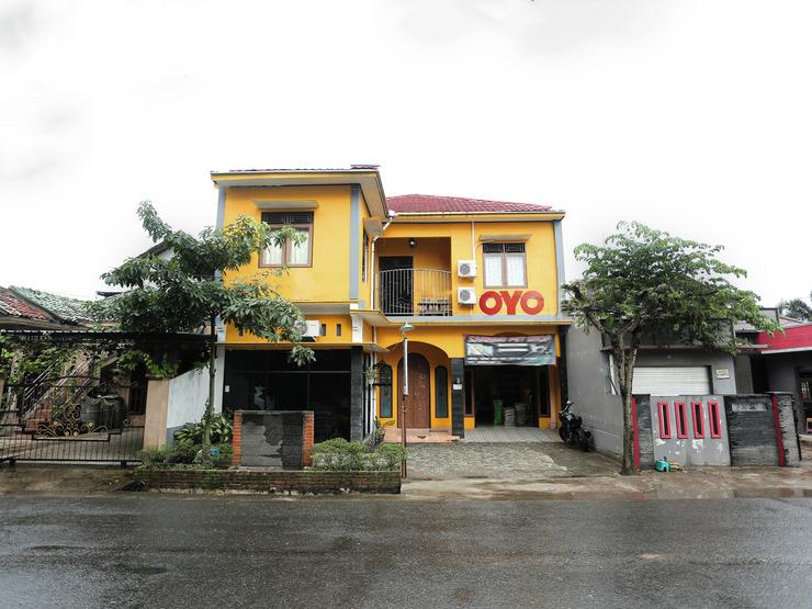 OYO 1685 Garuda Guest House Balikpapan - Facade