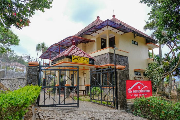 SPOT ON 1767 Villa Anggur Panderman Malang - Facade