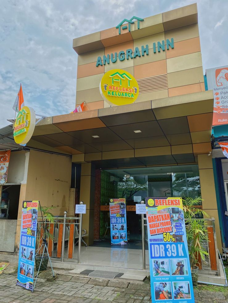 Anugrah Inn Tangerang - Facade