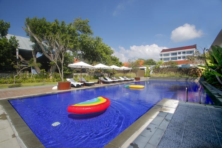Benoa Sea Suites and Villas by Premier Hospitality Asia Bali - Kolam Renang