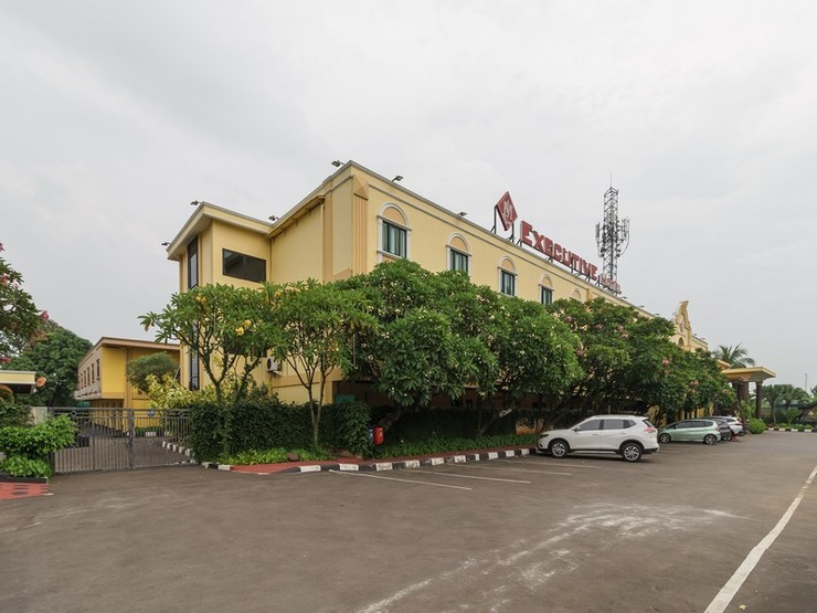 RedDoorz Plus near Dunia Fantasi Ancol Jakarta - Eksterior