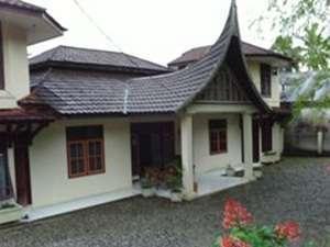 Tan Dirih Hotel Maninjau Padang - Tampak Luar