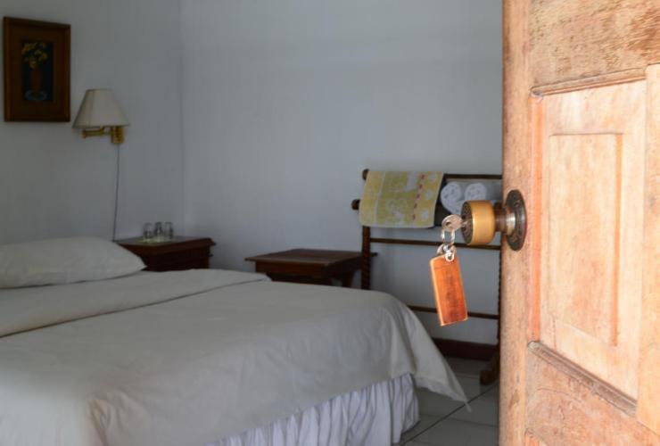 Tan Dirih Hotel Maninjau Agam - room