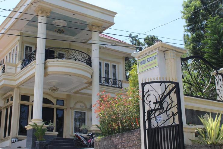 Angela Homestay Manado Minahasa - Interior