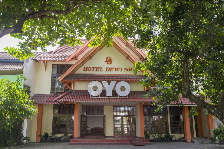 OYO 759 Hotel Dewi Sri Yogyakarta - Facade