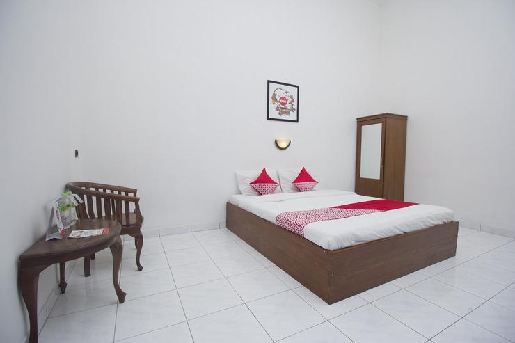 OYO 759 Hotel Dewi Sri Yogyakarta - Bedroom
