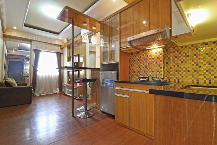 The Suites Metro Apartment By King Property Bandung - Kitchen