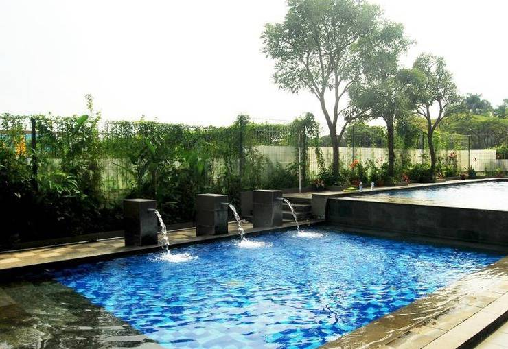 High Livin Apartment Bandung - Swimming Pool