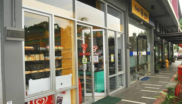High Livin Apartment Bandung - Minimarket dan Bank